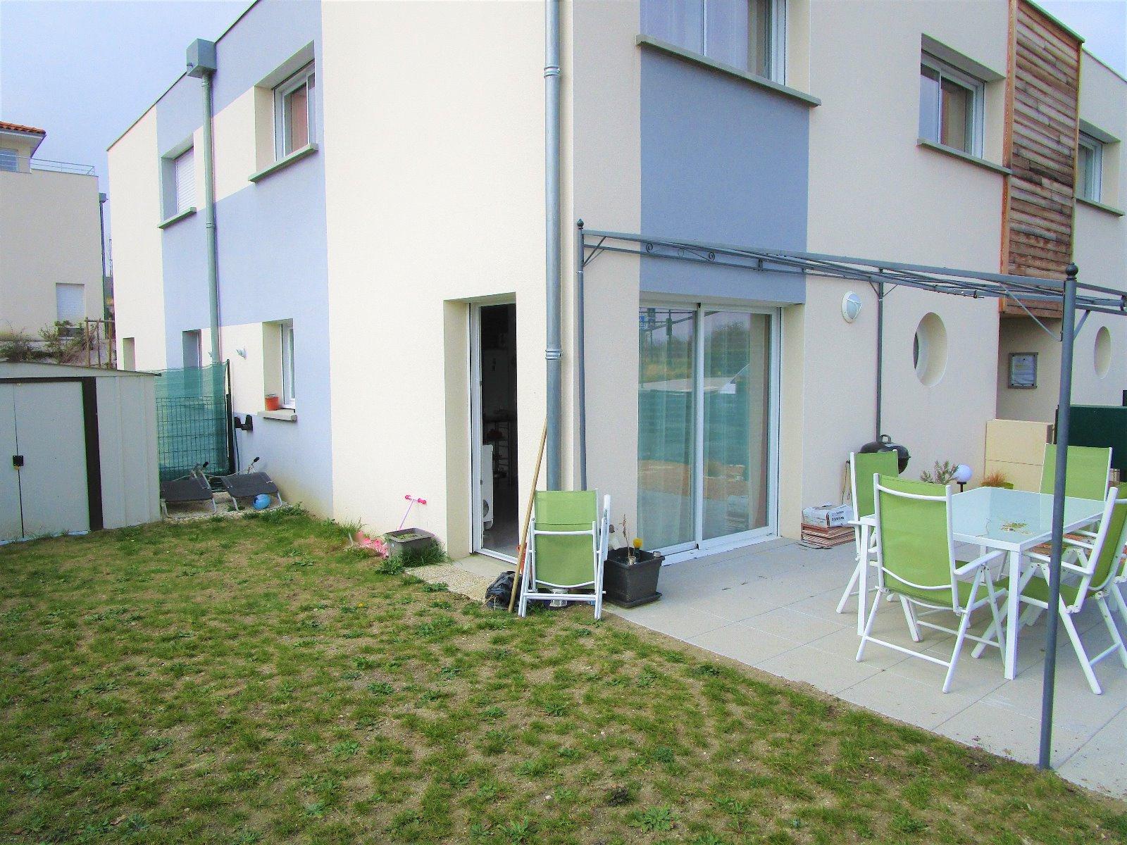 Vente joli pavillon neuf aux normes bbc rt2012 for Norme maison bbc